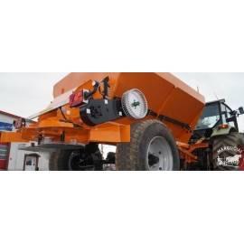 "Dviejų diskų smėlio barstytuvas ""Pomot"", 4000 kg., 18 m."