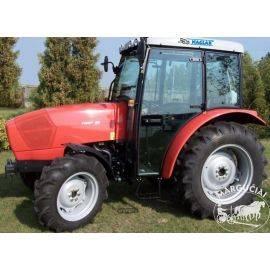 """Kabinos traktoriams Same """"Naglak"""""""